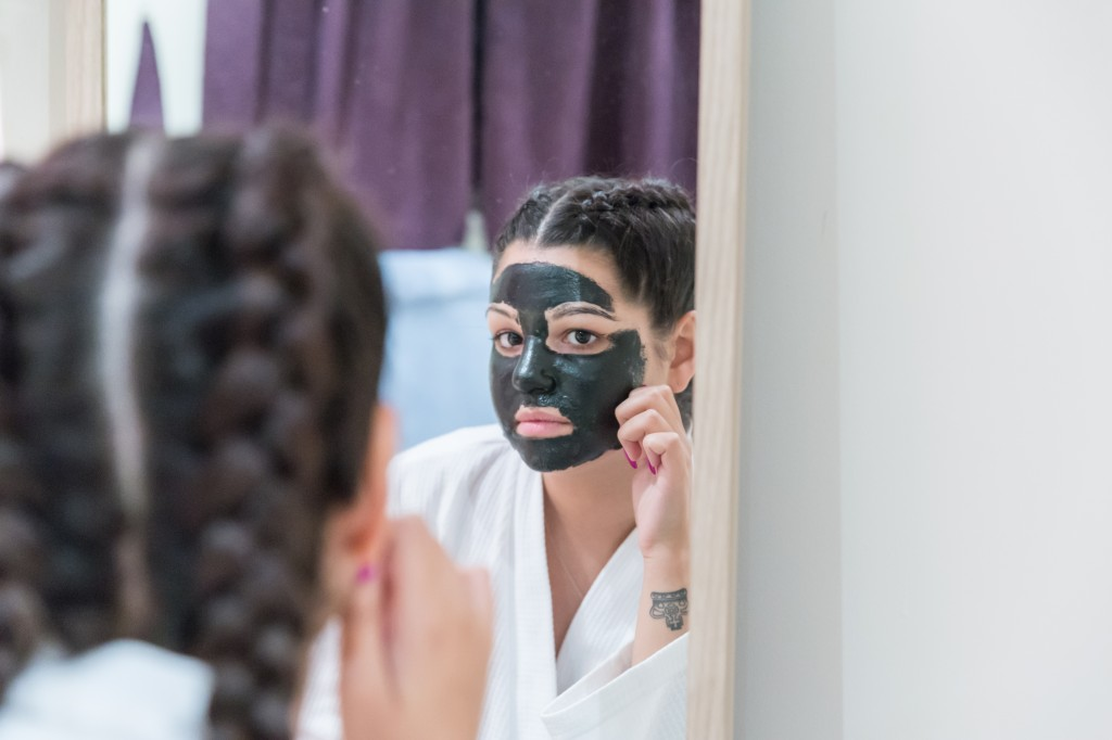 Peeling Off the Luminizing Charcoal Mask from Masque Bar